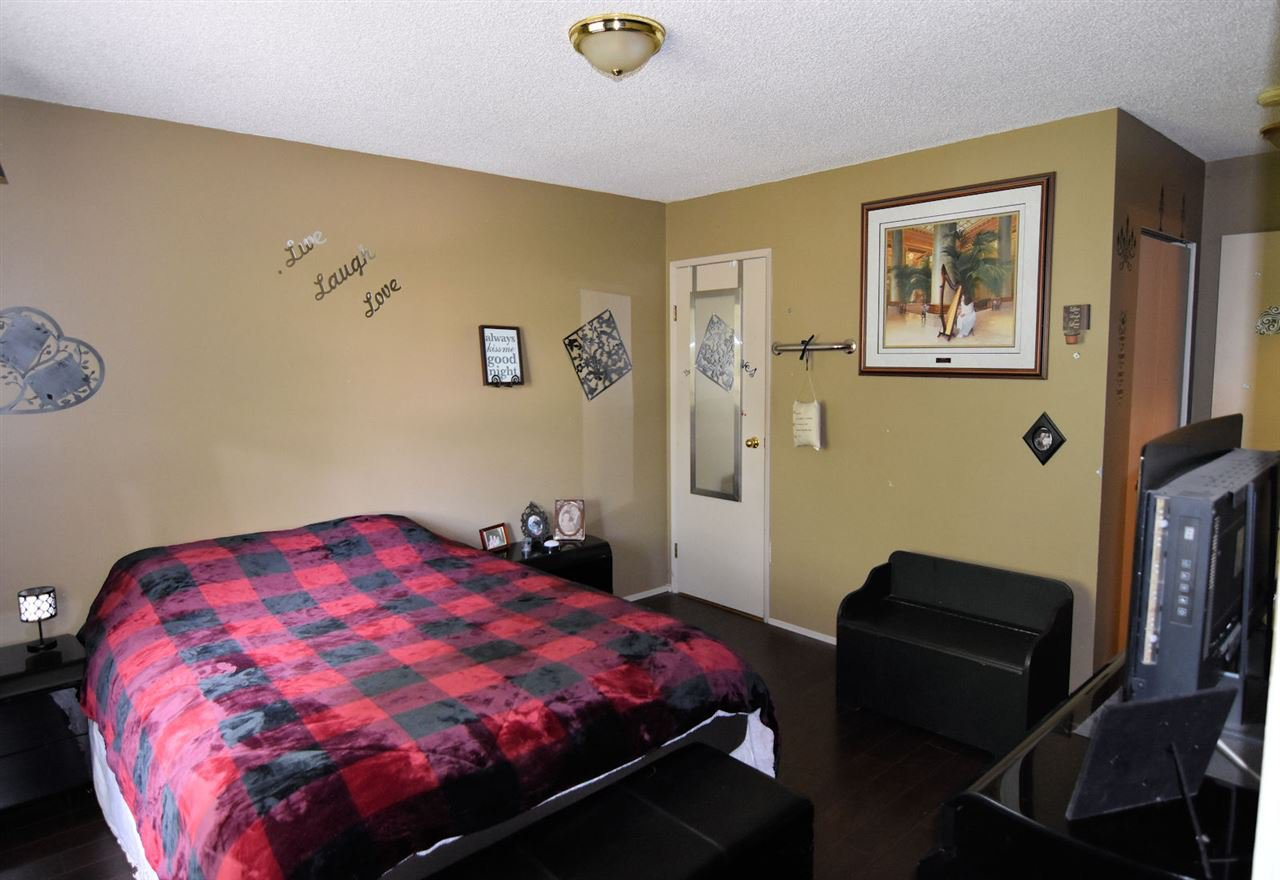 Photo 9: Photos: 1621 KING GEORGE Boulevard in Surrey: King George Corridor House 1/2 Duplex for sale (South Surrey White Rock)  : MLS®# R2461955