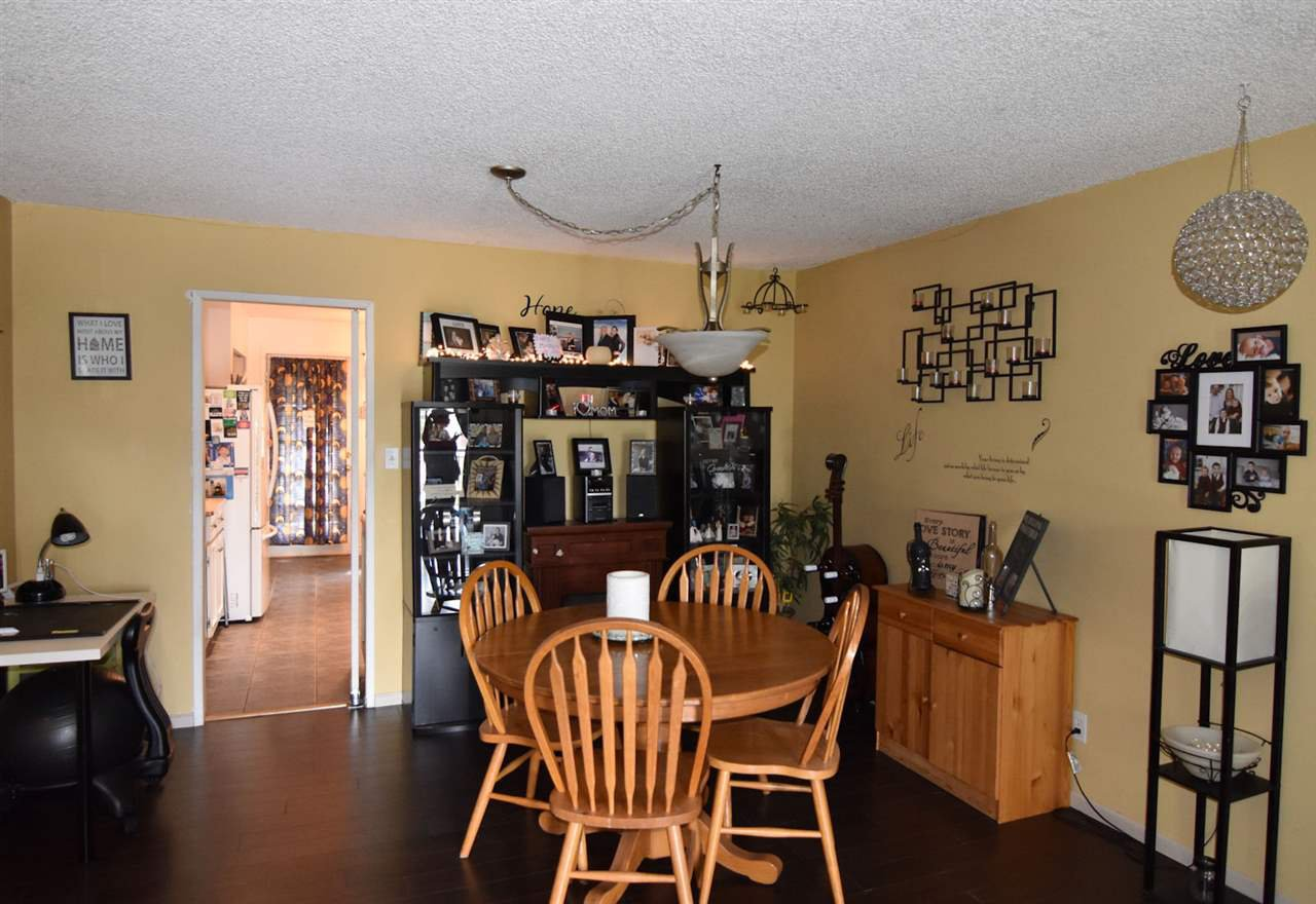 Photo 8: Photos: 1621 KING GEORGE Boulevard in Surrey: King George Corridor House 1/2 Duplex for sale (South Surrey White Rock)  : MLS®# R2461955