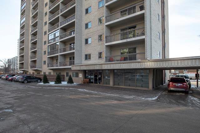 Come home to Imperial Place in Osborne Village. You will love this convenient location close to all amenities, shopping, transportation and downtown. This would be perfect for a first time buyer, if you are downsizing or would like a great rental. One ind