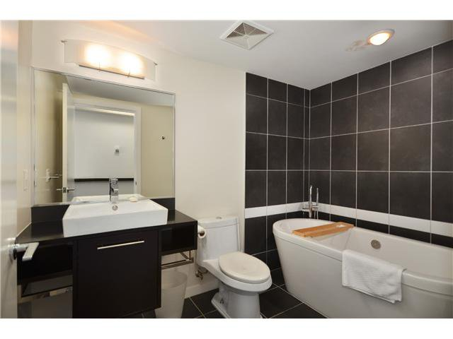 """Photo 7: Photos: # 2505 689 ABBOTT ST in Vancouver: Downtown VW Condo for sale in """"ESPANA 1"""" (Vancouver West)  : MLS®# V988273"""