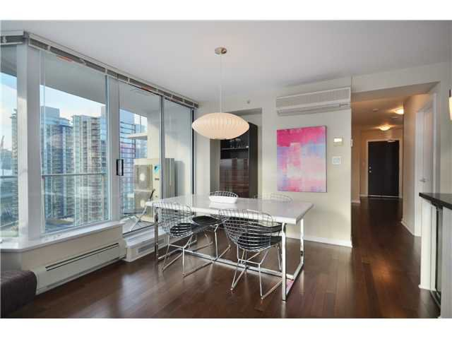 """Photo 2: Photos: # 2505 689 ABBOTT ST in Vancouver: Downtown VW Condo for sale in """"ESPANA 1"""" (Vancouver West)  : MLS®# V988273"""