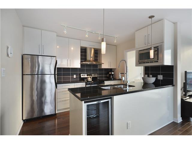 """Photo 3: Photos: # 2505 689 ABBOTT ST in Vancouver: Downtown VW Condo for sale in """"ESPANA 1"""" (Vancouver West)  : MLS®# V988273"""