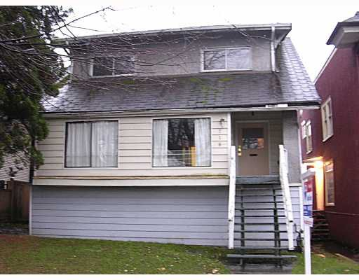 Main Photo: 716 E 15TH AV in : Mount Pleasant VE House for sale : MLS®# V797407