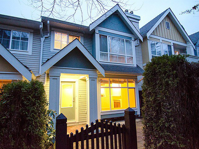 Main Photo: 7430 Magnolia Terrace in Burnaby: Highgate Townhouse for sale (Burnaby South)  : MLS®# V1103270