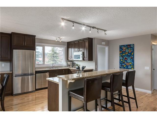 Main Photo: 1493 LAKE MICHIGAN CR SE in Calgary: Bonavista Downs House for sale : MLS®# C4054541