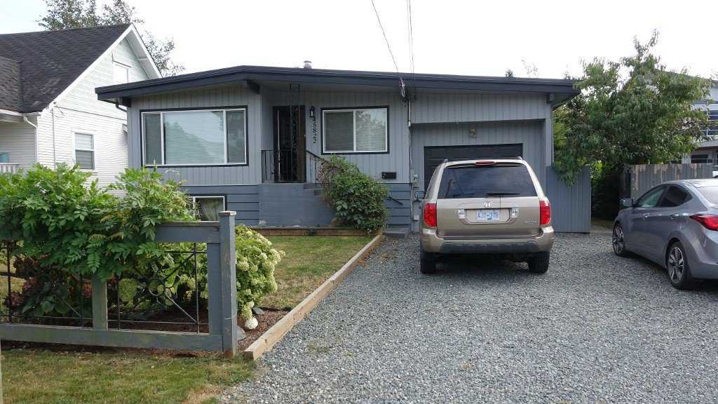 Main Photo: 45822 Lewis Avenue in Chilliwack: Chilliwack E Young-Yale House for rent