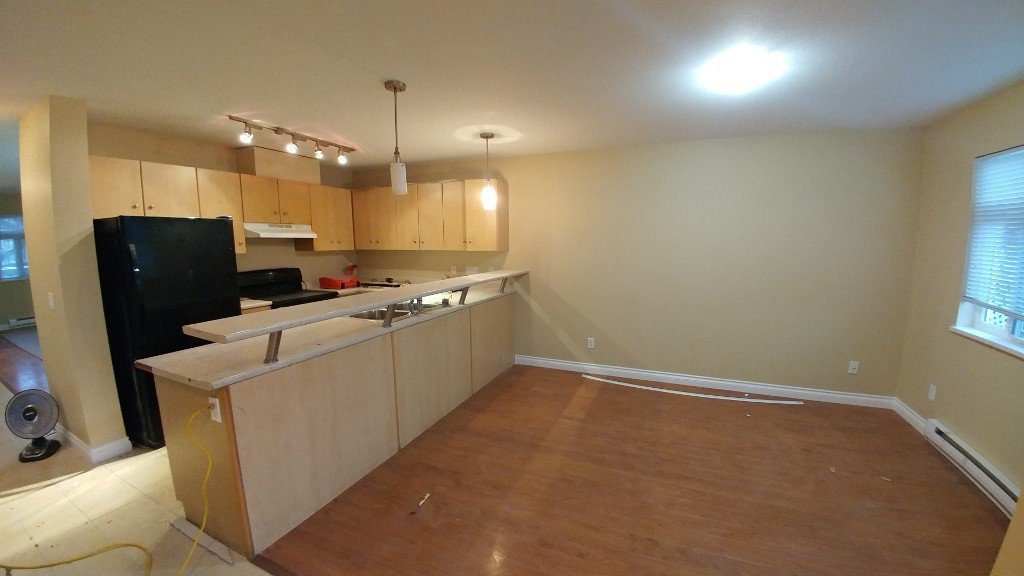 Main Photo: 203-30485 Blueridge Drive in Abbotsford: Abbotsford West Townhouse for rent