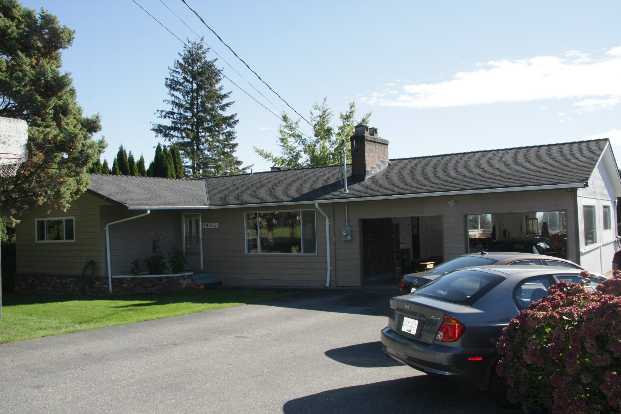 Main Photo: 29332 SunValley Crescent in Abbotsford: House for sale : MLS®# R2314705