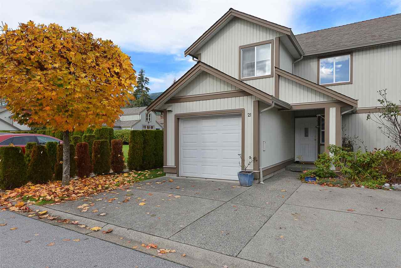 Main Photo: 21 735 PARK ROAD in Gibsons: Gibsons & Area Townhouse for sale (Sunshine Coast)  : MLS®# R2319174