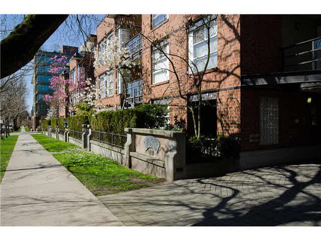 Main Photo: 110 2181 W 12TH AVENUE in : Kitsilano Condo for sale : MLS®# V1057618