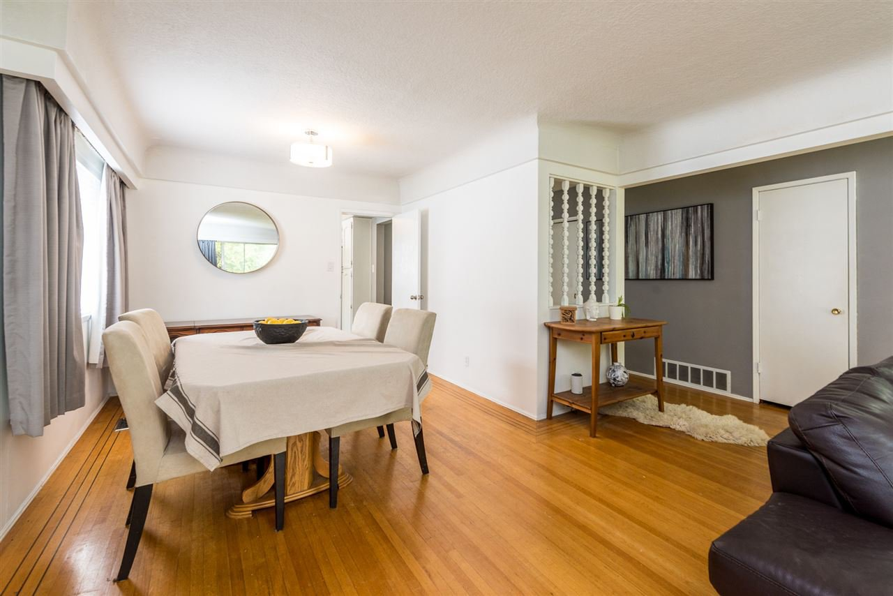 Photo 4: Photos: 6515 KERR Street in Vancouver: Killarney VE House for sale (Vancouver East)  : MLS®# R2392985