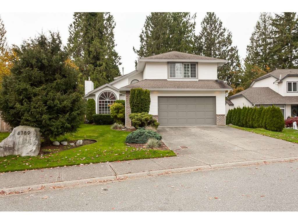 Main Photo: 4189 GOODCHILD Street in Abbotsford: Abbotsford East House for sale : MLS®# R2436331