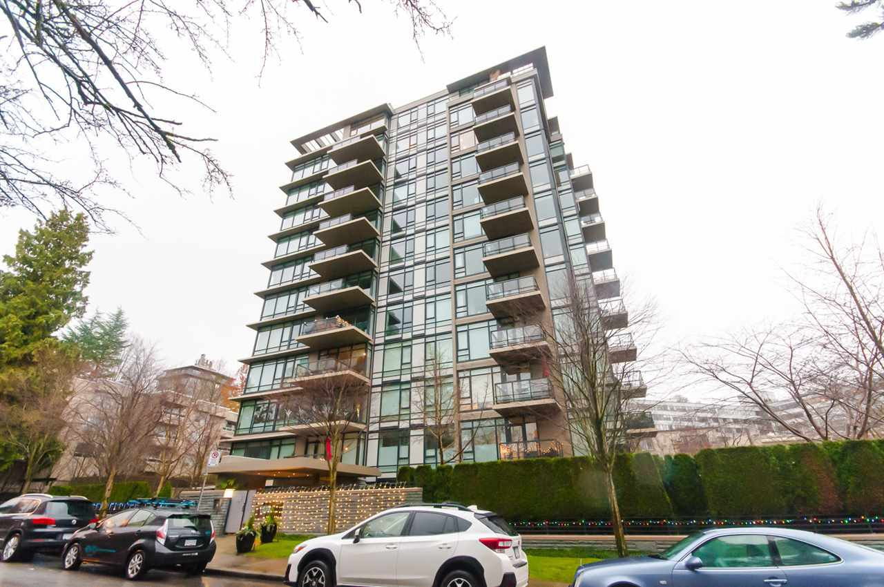 "Main Photo: 905 1468 W 14TH Avenue in Vancouver: Fairview VW Condo for sale in ""THE AVEDON"" (Vancouver West)  : MLS®# R2457270"