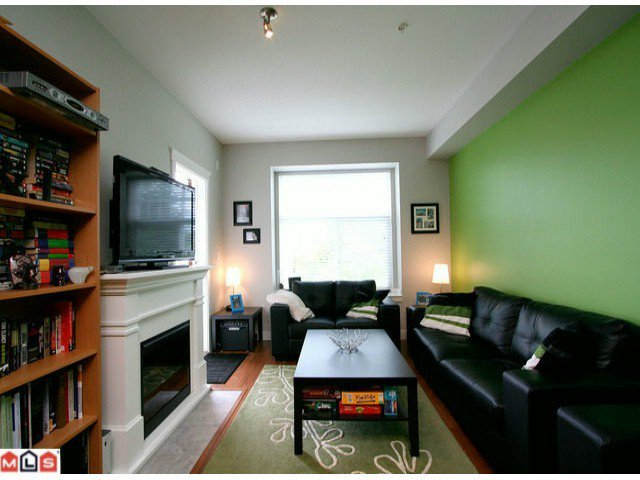 Main Photo: 216 17712 57A AV in Surrey: Cloverdale BC Home for sale ()  : MLS®# F1213973