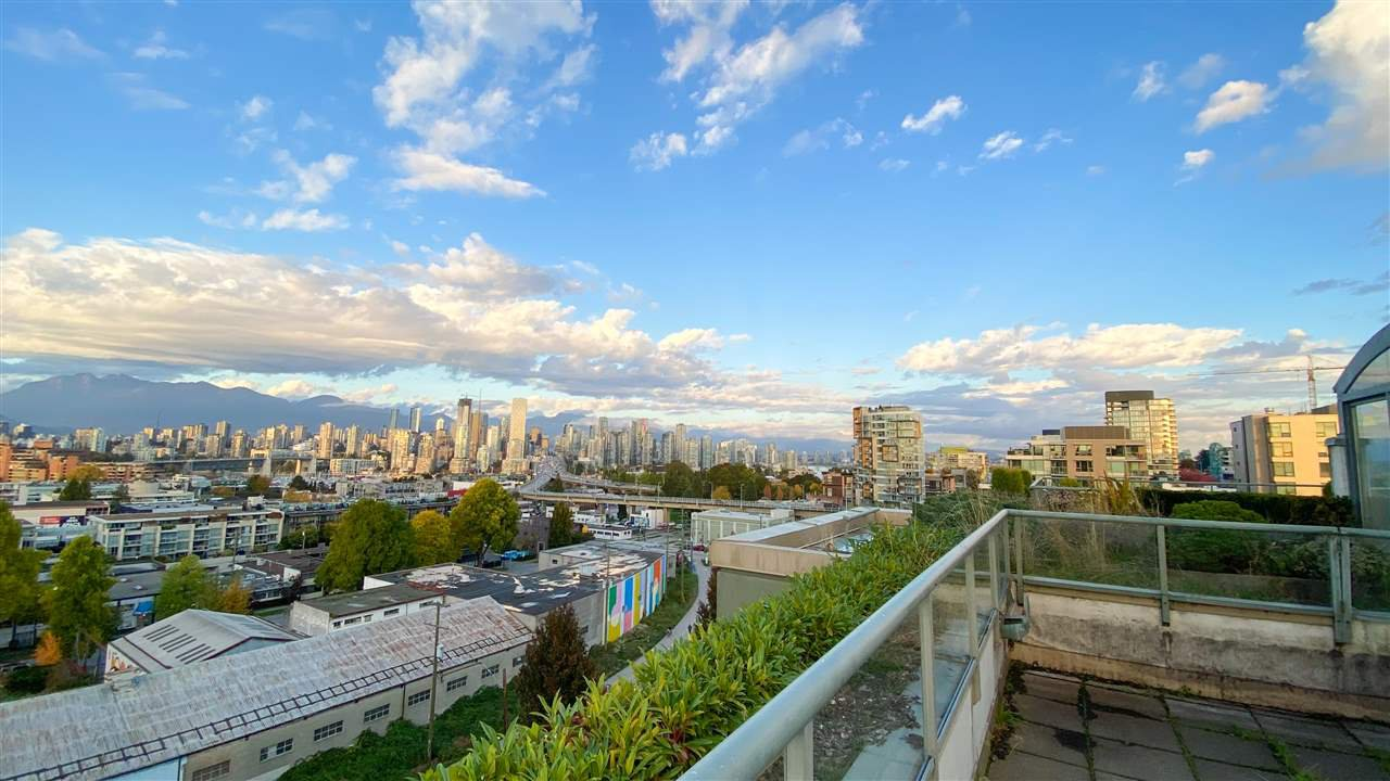 "Main Photo: 1001 2288 PINE Street in Vancouver: Fairview VW Condo for sale in ""THE FAIRVIEW"" (Vancouver West)  : MLS®# R2513601"