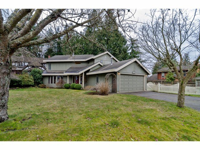 """Main Photo: 12526 OCEAN FOREST Place in Surrey: Crescent Bch Ocean Pk. House for sale in """"OCEAN CLIFF"""" (South Surrey White Rock)  : MLS®# F1228453"""