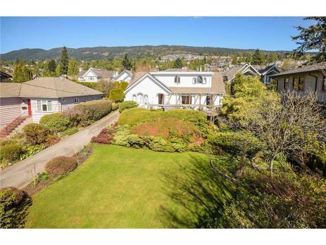 Main Photo: 2337 Jefferson Ave in West Vancouver: Dundarave House for sale : MLS®# V1118548