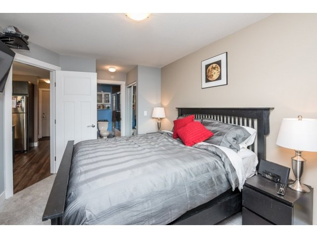 Photo 13: Photos: 401 2565 Campbell Avenue: Condo for sale (Abbotsford)  : MLS®# R2075391