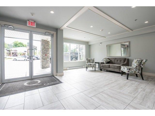 Photo 2: Photos: 401 2565 Campbell Avenue: Condo for sale (Abbotsford)  : MLS®# R2075391