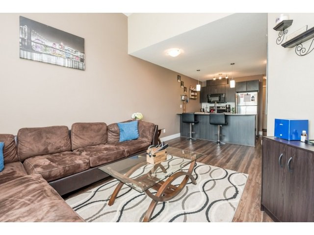 Photo 9: Photos: 401 2565 Campbell Avenue: Condo for sale (Abbotsford)  : MLS®# R2075391