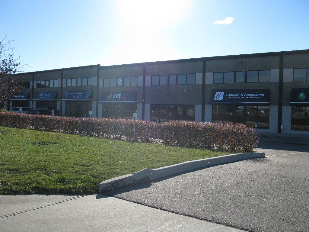 Main Photo: 100 20 Circle Drive: Business with Property for sale or lease (St. Albert)  : MLS®# e4041832