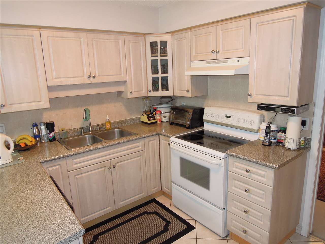 Photo 5: Photos: 3080 ROYAL OAK AVENUE in Burnaby: Central BN House 1/2 Duplex for sale (Burnaby North)  : MLS®# R2143810