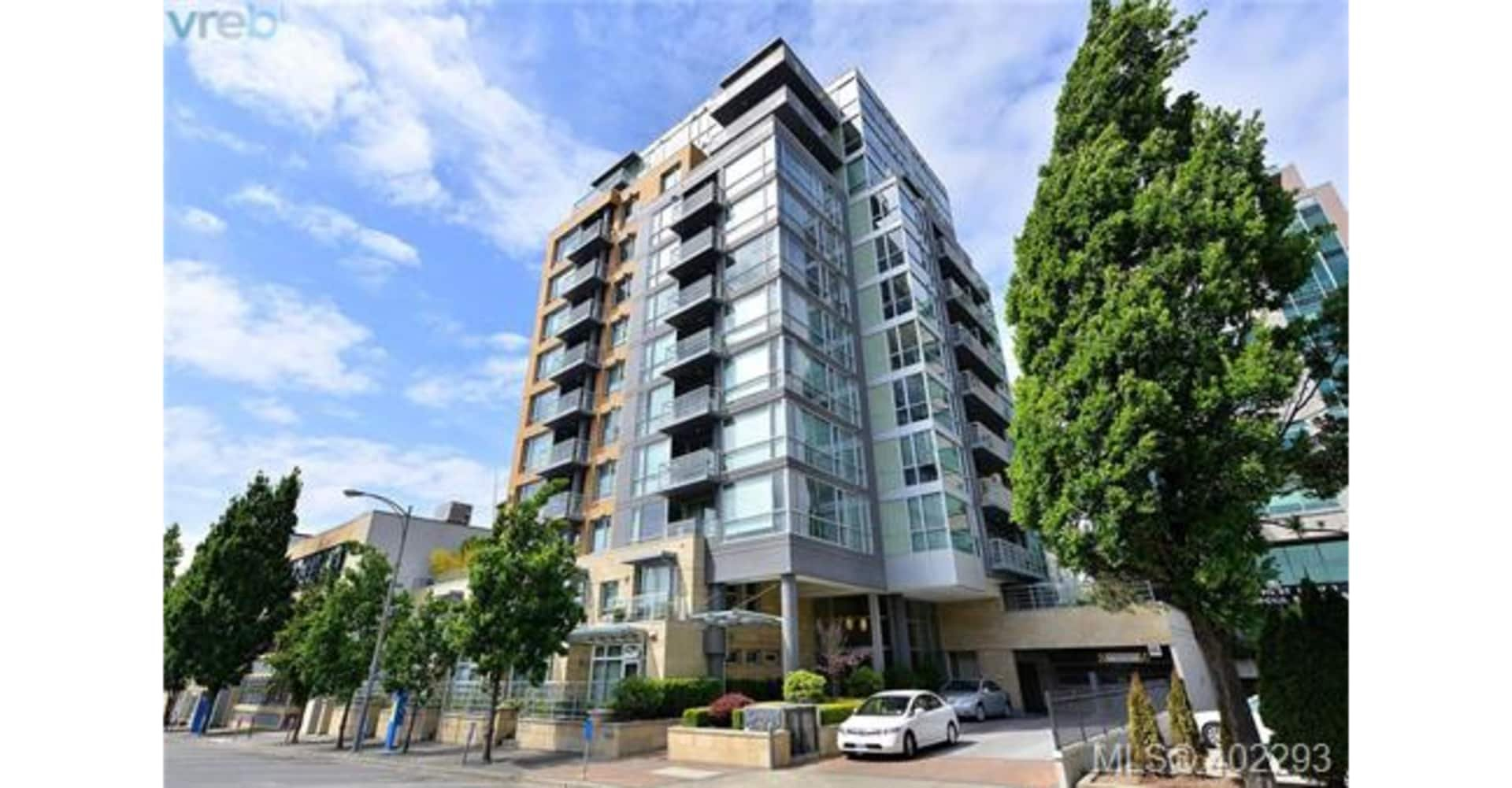 Main Photo: 307 732 Cormorant Street in Victoria: Condo for sale : MLS®# 402293