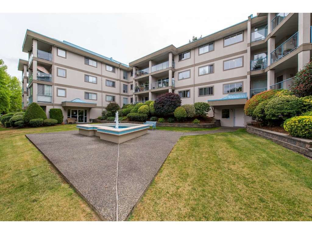 """Main Photo: 103 33090 GEORGE FERGUSON Way in Abbotsford: Central Abbotsford Condo for sale in """"Tiffany Place"""" : MLS®# R2394882"""