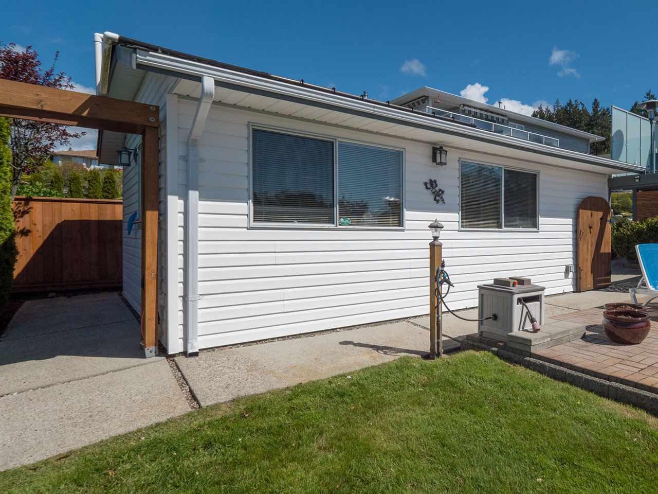 Photo 19: Photos: 4983 ARBUTUS Road in Sechelt: Sechelt District House for sale (Sunshine Coast)  : MLS®# R2427502
