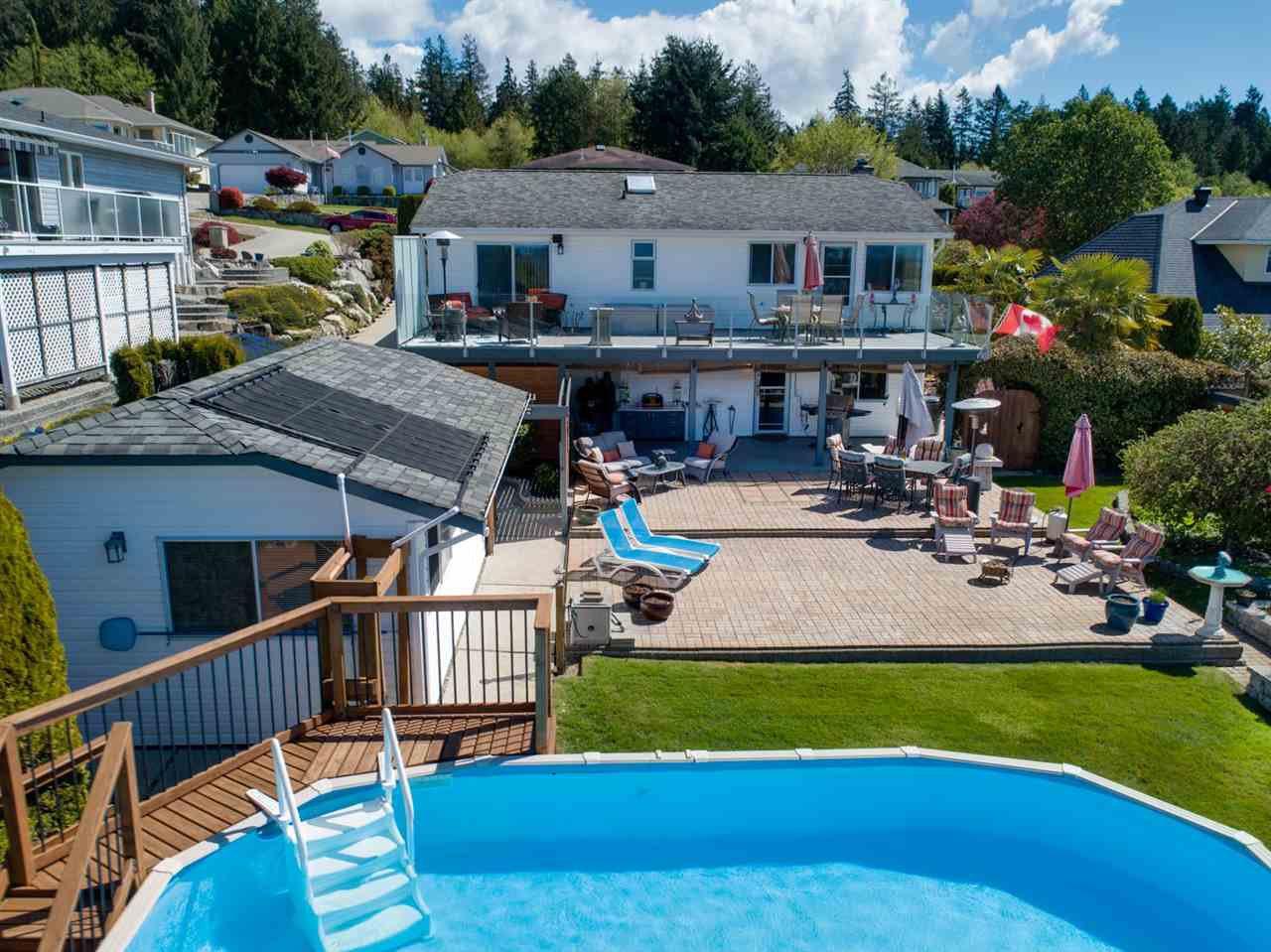Photo 14: Photos: 4983 ARBUTUS Road in Sechelt: Sechelt District House for sale (Sunshine Coast)  : MLS®# R2427502