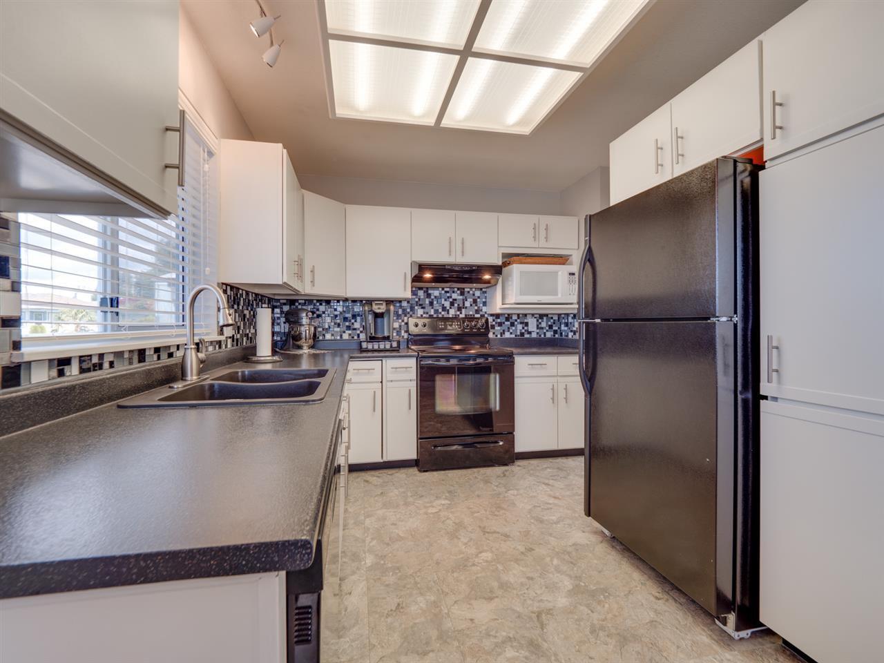 Photo 4: Photos: 4983 ARBUTUS Road in Sechelt: Sechelt District House for sale (Sunshine Coast)  : MLS®# R2427502