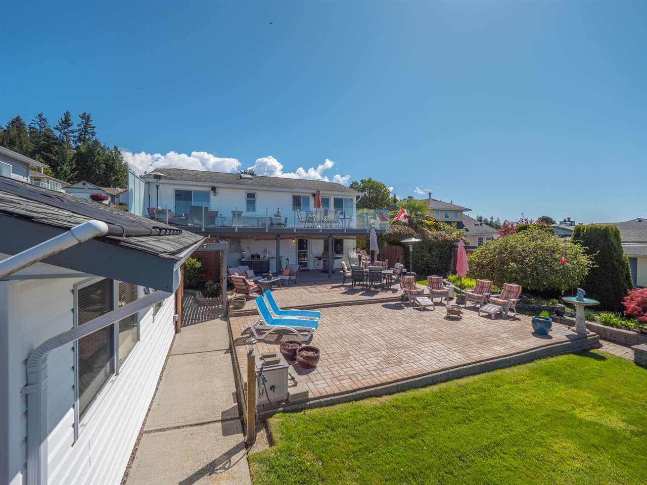 Photo 18: Photos: 4983 ARBUTUS Road in Sechelt: Sechelt District House for sale (Sunshine Coast)  : MLS®# R2427502