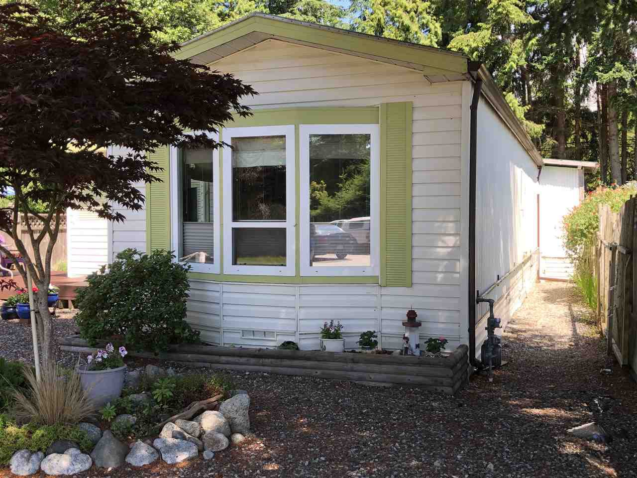 "Photo 2: Photos: 45 4116 BROWNING Road in Sechelt: Sechelt District Manufactured Home for sale in ""ROCKLAND WYND"" (Sunshine Coast)  : MLS®# R2472545"