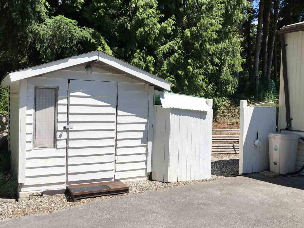 "Photo 3: Photos: 45 4116 BROWNING Road in Sechelt: Sechelt District Manufactured Home for sale in ""ROCKLAND WYND"" (Sunshine Coast)  : MLS®# R2472545"