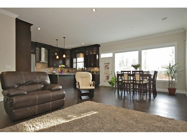 """Photo 3: Photos: 7844 211B ST in Langley: Willoughby Heights House for sale in """"YORKSON"""" : MLS®# F1306058"""
