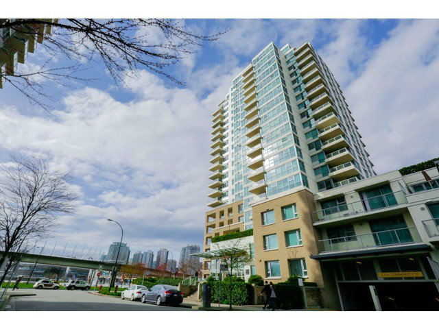 Main Photo: 212 125 Milross Ave in Vancouver: Mount Pleasant VE Condo for sale (Vancouver East)  : MLS®# v1111580