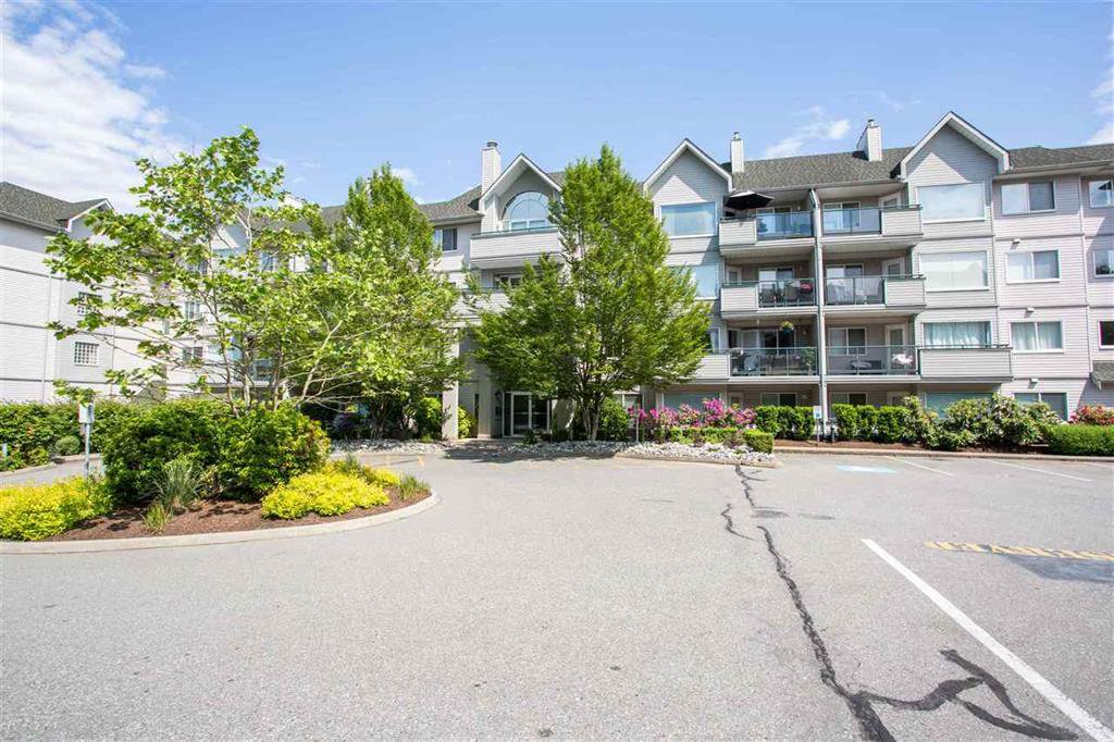Main Photo: 214 33718 King Road in Abbotsford: Poplar Condo for sale : MLS®# R2372757