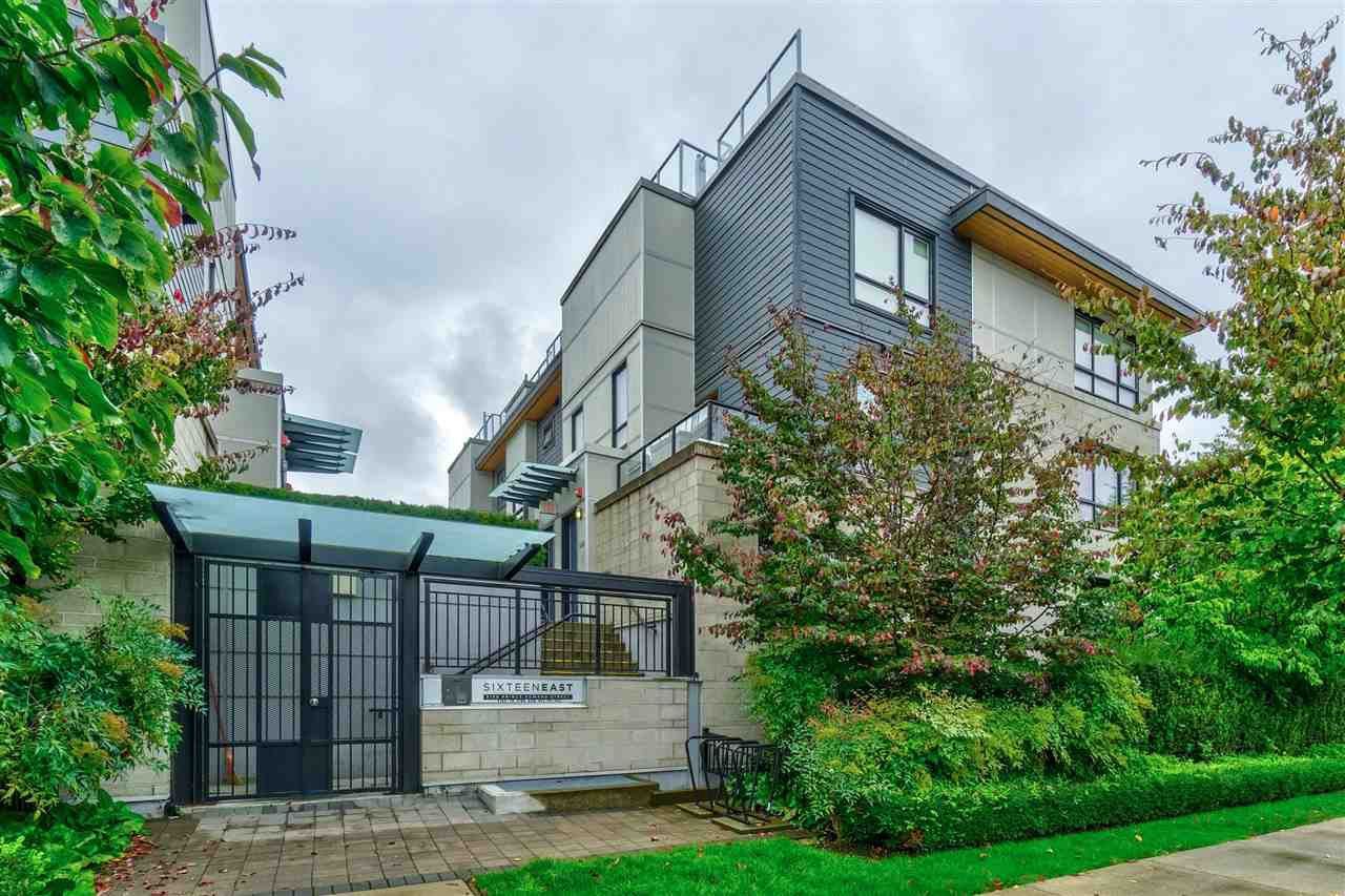 "Main Photo: 3170 PRINCE EDWARD Street in Vancouver: Mount Pleasant VE Townhouse for sale in ""SIXTEEN EAST"" (Vancouver East)  : MLS®# R2404274"