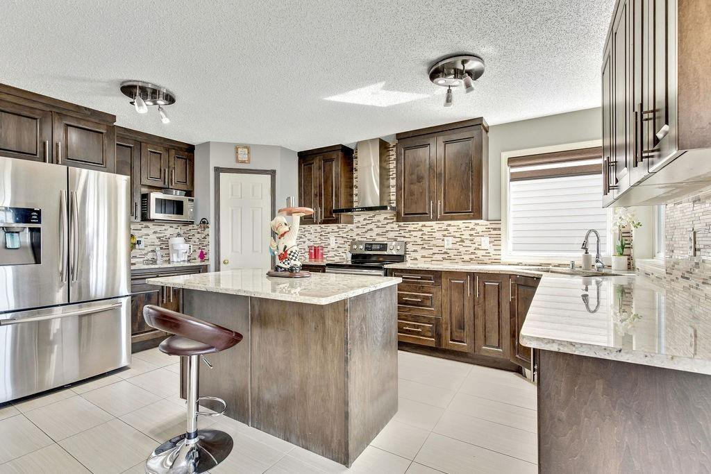 Main Photo: 279 TARACOVE ESTATE Drive NE in Calgary: Taradale Detached for sale : MLS®# C4297853