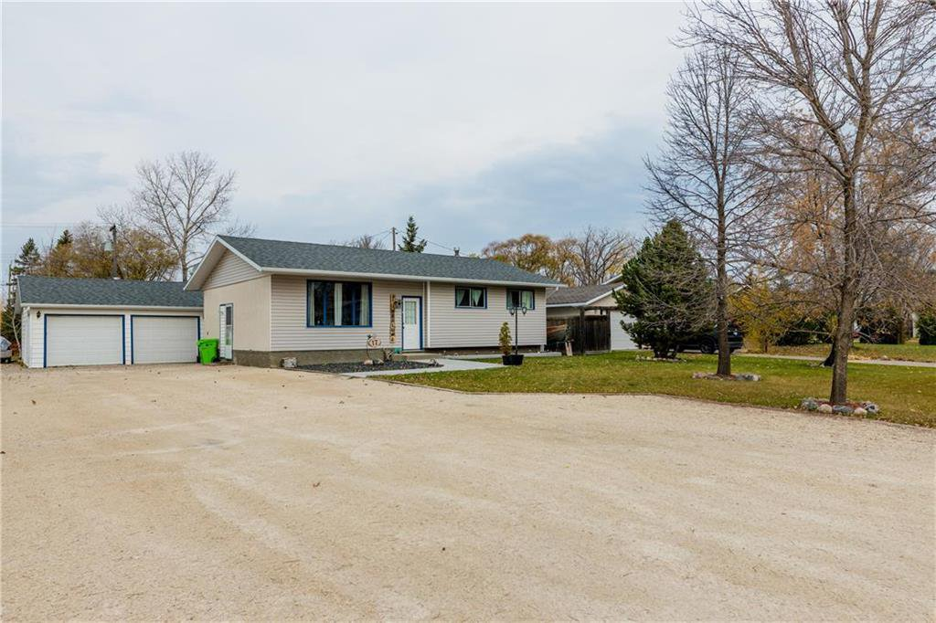 Photo 1: Photos: 17 DEMERS Street in Ste Anne: R06 Residential for sale : MLS®# 202025793