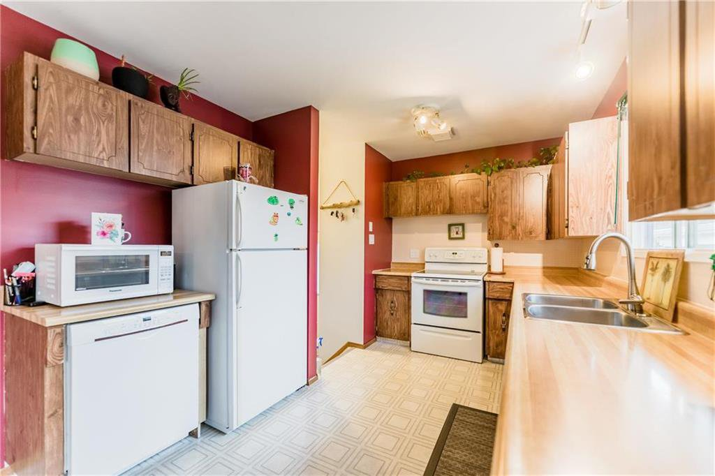 Photo 7: Photos: 17 DEMERS Street in Ste Anne: R06 Residential for sale : MLS®# 202025793