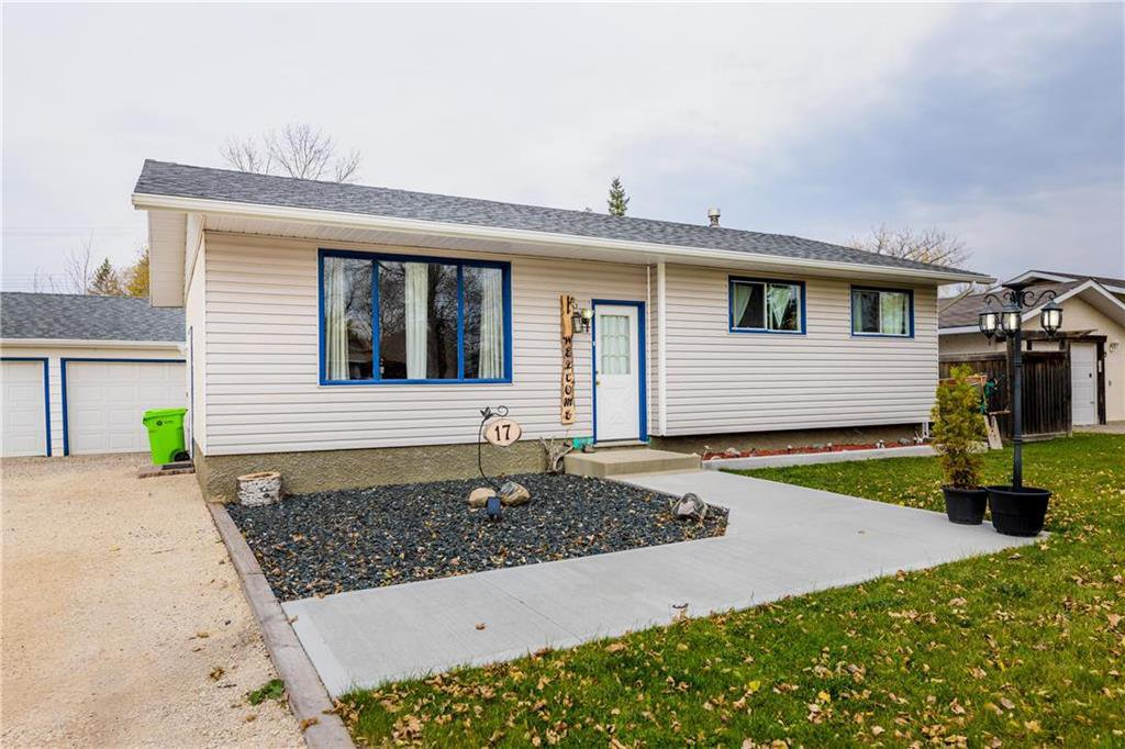 Photo 2: Photos: 17 DEMERS Street in Ste Anne: R06 Residential for sale : MLS®# 202025793