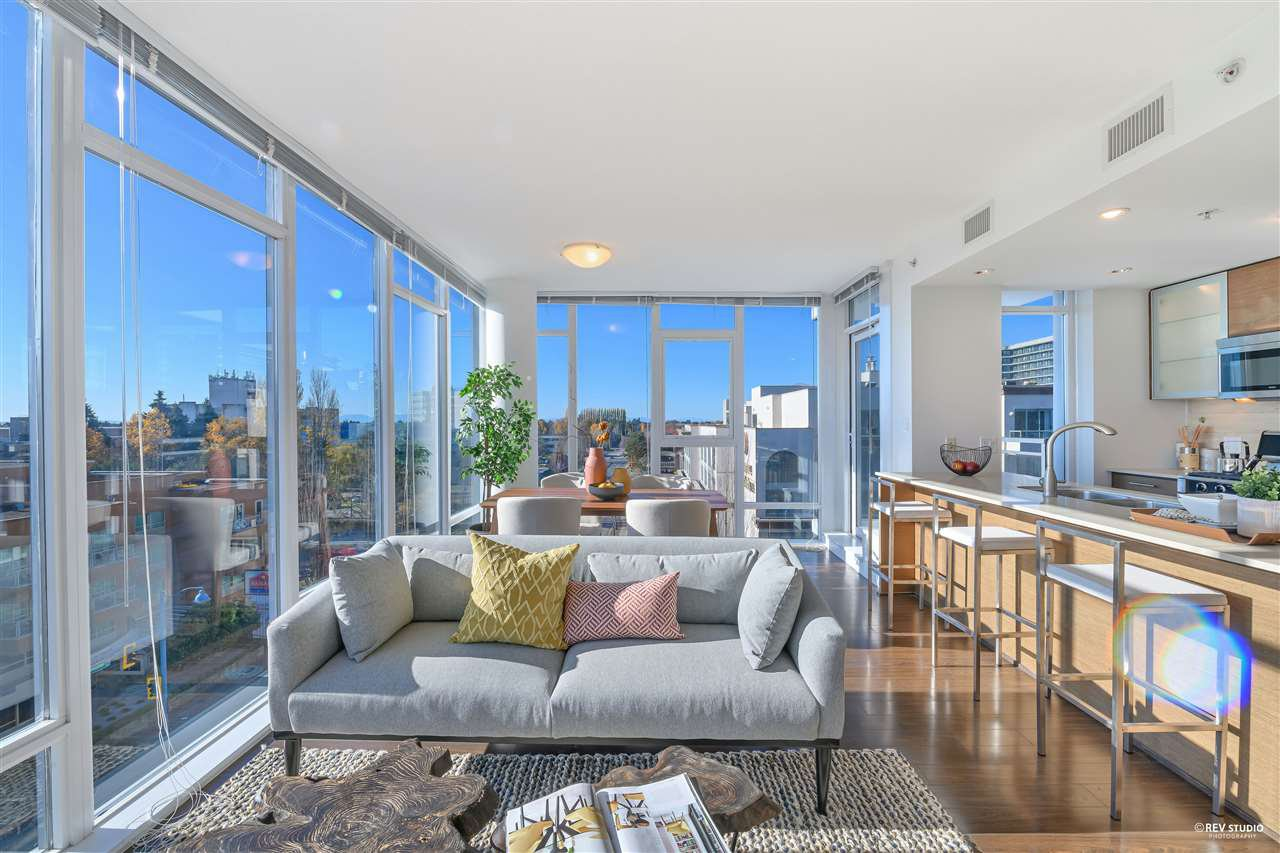 """Main Photo: 806 7371 WESTMINSTER Highway in Richmond: Brighouse Condo for sale in """"LOTUS"""" : MLS®# R2517041"""
