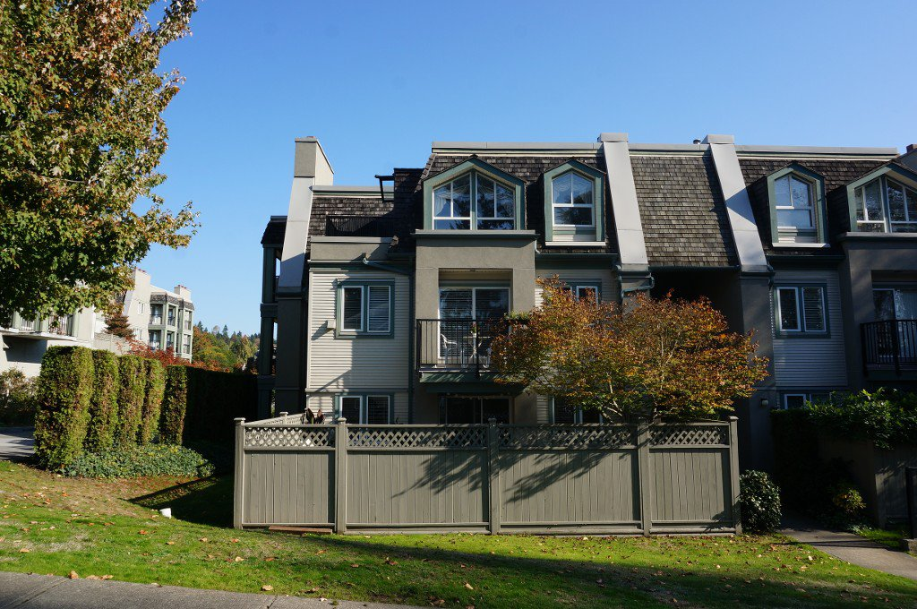 "Main Photo: 91 211 BEGIN Street in Coquitlam: Maillardville Condo for sale in ""Place Fountainebleau"" : MLS®# V1023931"