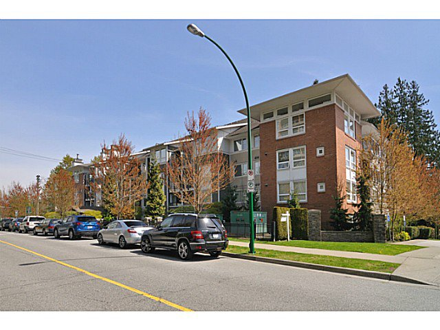 Main Photo: 416 6888 Southpoint Drive in Burnaby: South Slope Condo for sale (Burnaby South)  : MLS®# V1003372