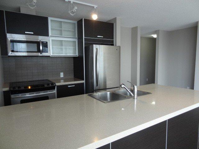 Photo 8: Photos: 2304 13688 100th Avenue: Condo for sale (Surrey)  : MLS®# F1404487