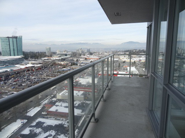 Photo 15: Photos: 2304 13688 100th Avenue: Condo for sale (Surrey)  : MLS®# F1404487