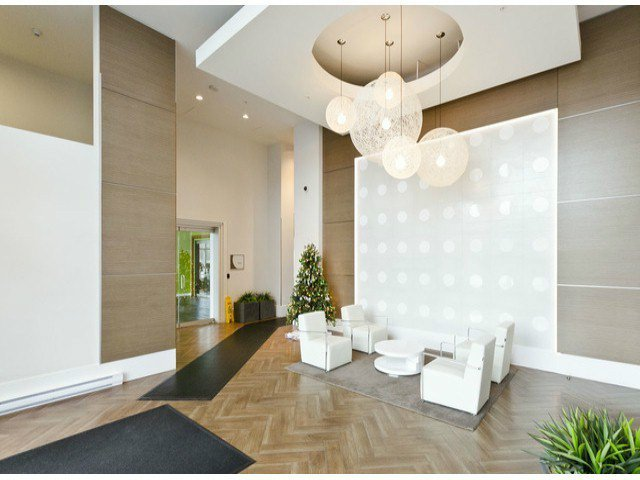Photo 3: Photos: 2304 13688 100th Avenue: Condo for sale (Surrey)  : MLS®# F1404487