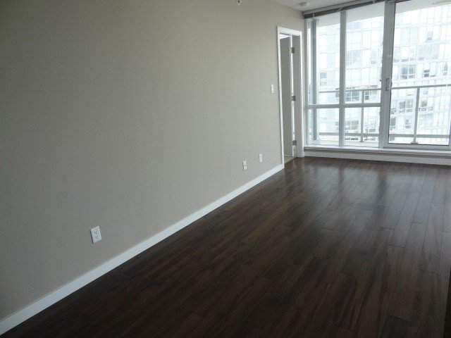 Photo 7: Photos: 2304 13688 100th Avenue: Condo for sale (Surrey)  : MLS®# F1404487
