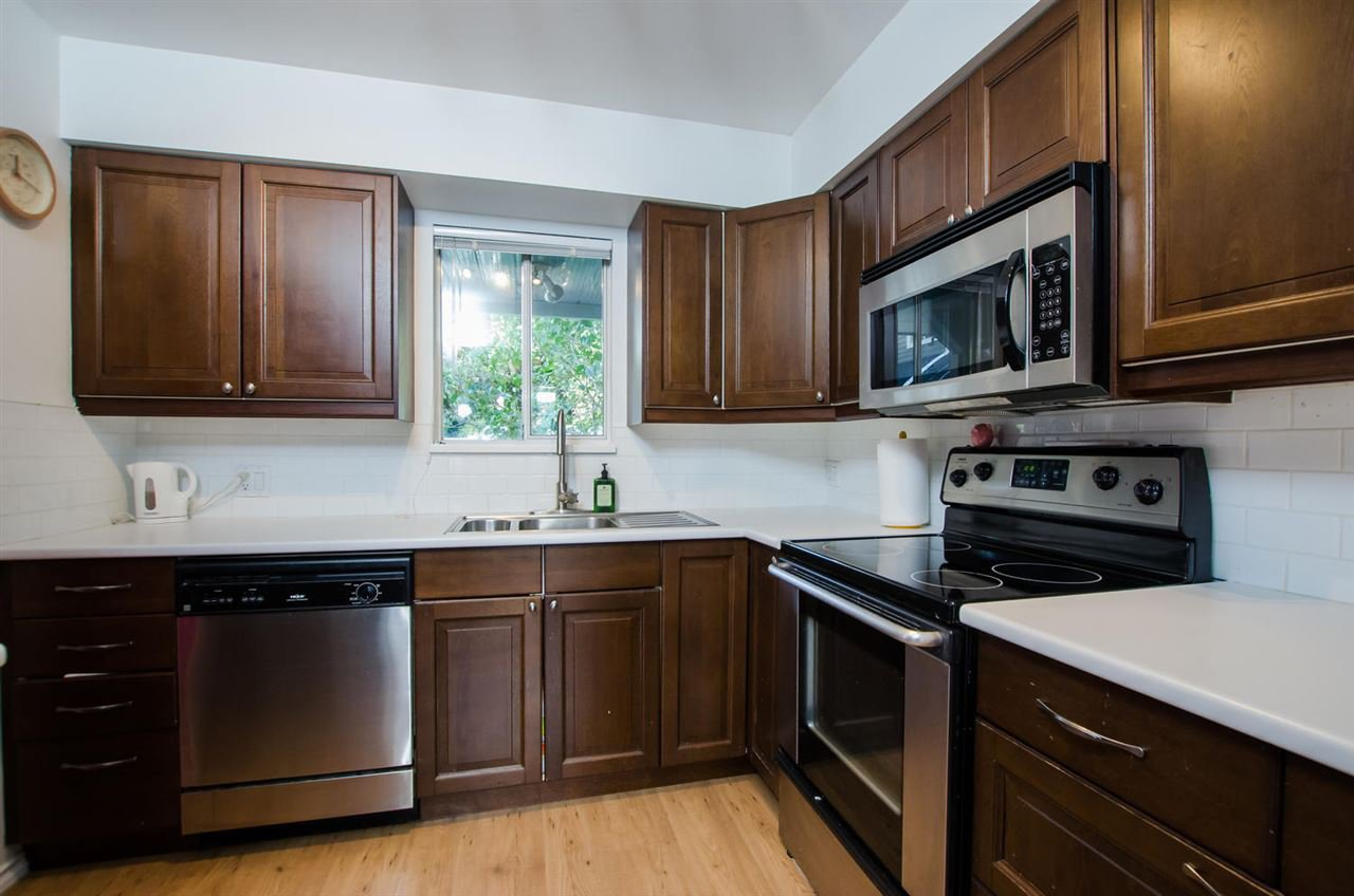 """Photo 9: Photos: 2309 RIVERWOOD Way in Vancouver: South Marine Townhouse for sale in """"Southshore"""" (Vancouver East)  : MLS®# R2410470"""